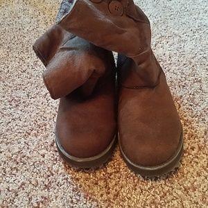 Skechers Shoes - Brown skechers boots